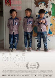 Affiche du film Waiting for the Sun