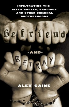 Affiche du film Befriend and Betray