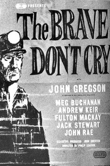 Affiche du film The Brave Don't Cry