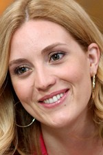 Evelyne Brochu
