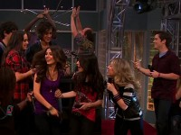 iParty With Victorious (1)