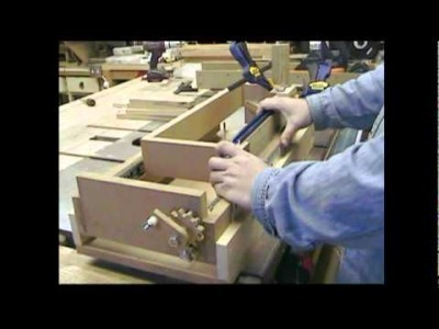 Amazing Homemade Lead Screw Box Joint Jig Machine